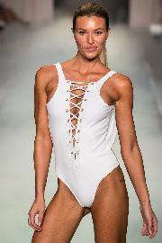 Beach-Bunny-Miami-Swim-Week-_43I1643