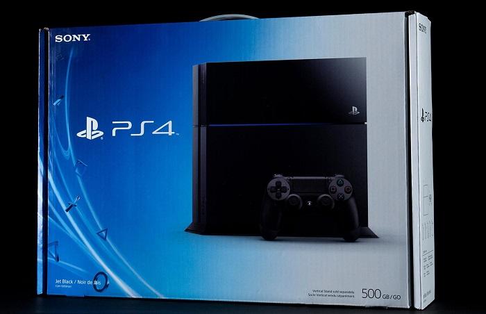 PlayStation 4 коробка | Sony продала 5,3 миллиона приставок PlayStation 4.